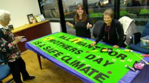 Making a Mothers Day banner